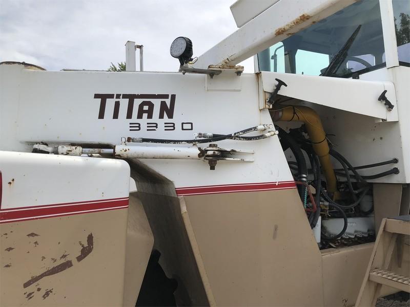 1998 Tyler Titan 3330 Self-Propelled Fertilizer Spreader