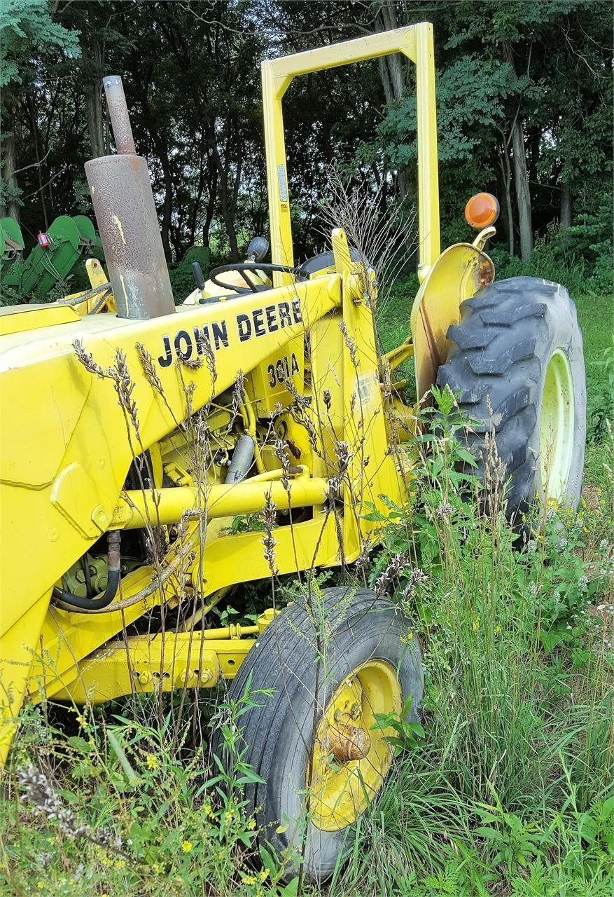 1985 John Deere 301A Tractor