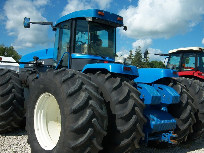 1998 New Holland 9682 Tractor