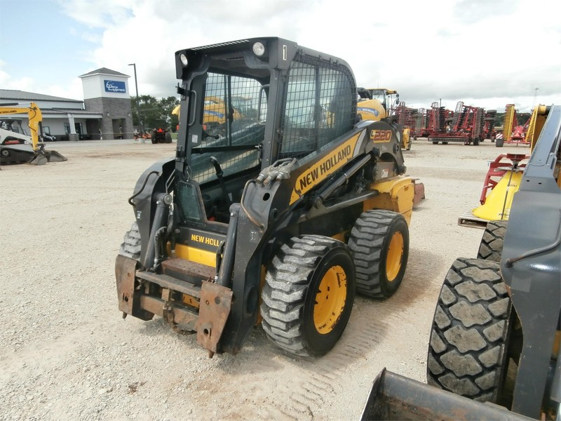2013 New Holland L220 Skid Steer