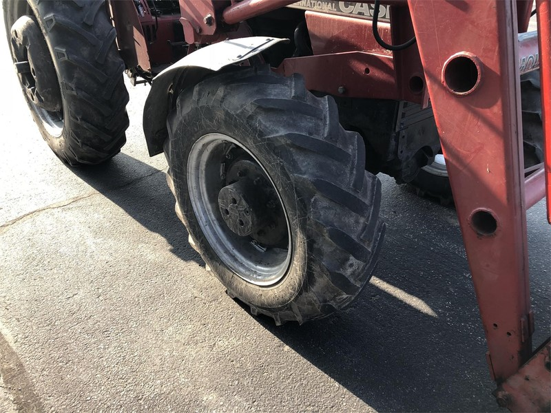 1990 Case IH 685 Tractor