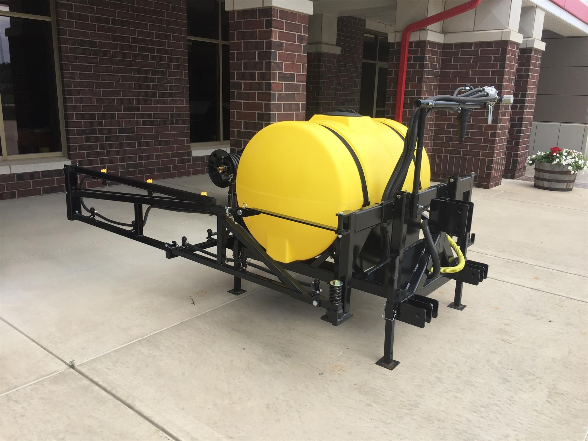 2021 F/S MFG INC 200 Pull-Type Sprayer