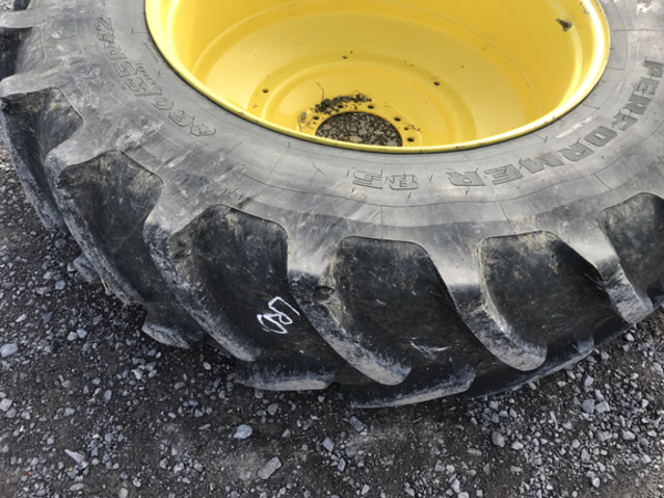 Firestone 16x42 Wheels / Tires / Track