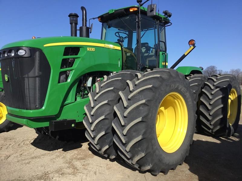 2008 John Deere 9330 Tractor