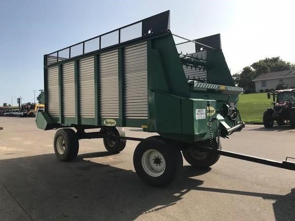 Badger 1250-18F Forage Wagon