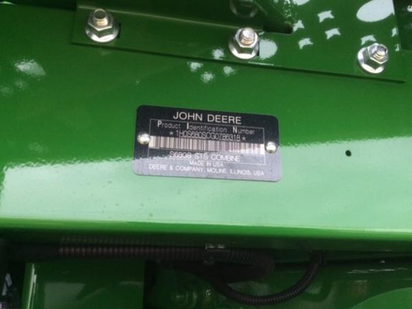 2016 John Deere S680 Combine