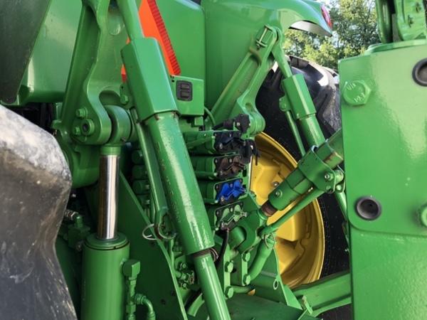 2014 John Deere 8285R Tractor