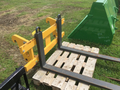 2015 John Deere Pallet Forks Loader and Skid Steer Attachment