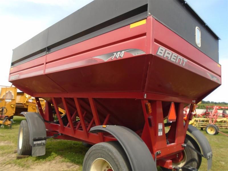 2008 Brent 744 Gravity Wagon