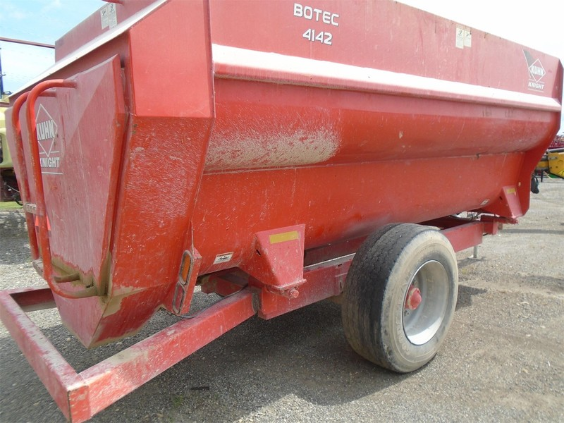 2012 Kuhn Knight 4142 Grinders and Mixer