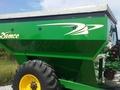 2010 Demco 650 Grain Cart