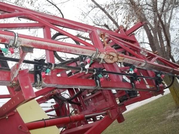 2012 Hardi Navigator 4000 Pull-Type Sprayer