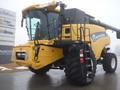 2014 New Holland CR6090 Combine