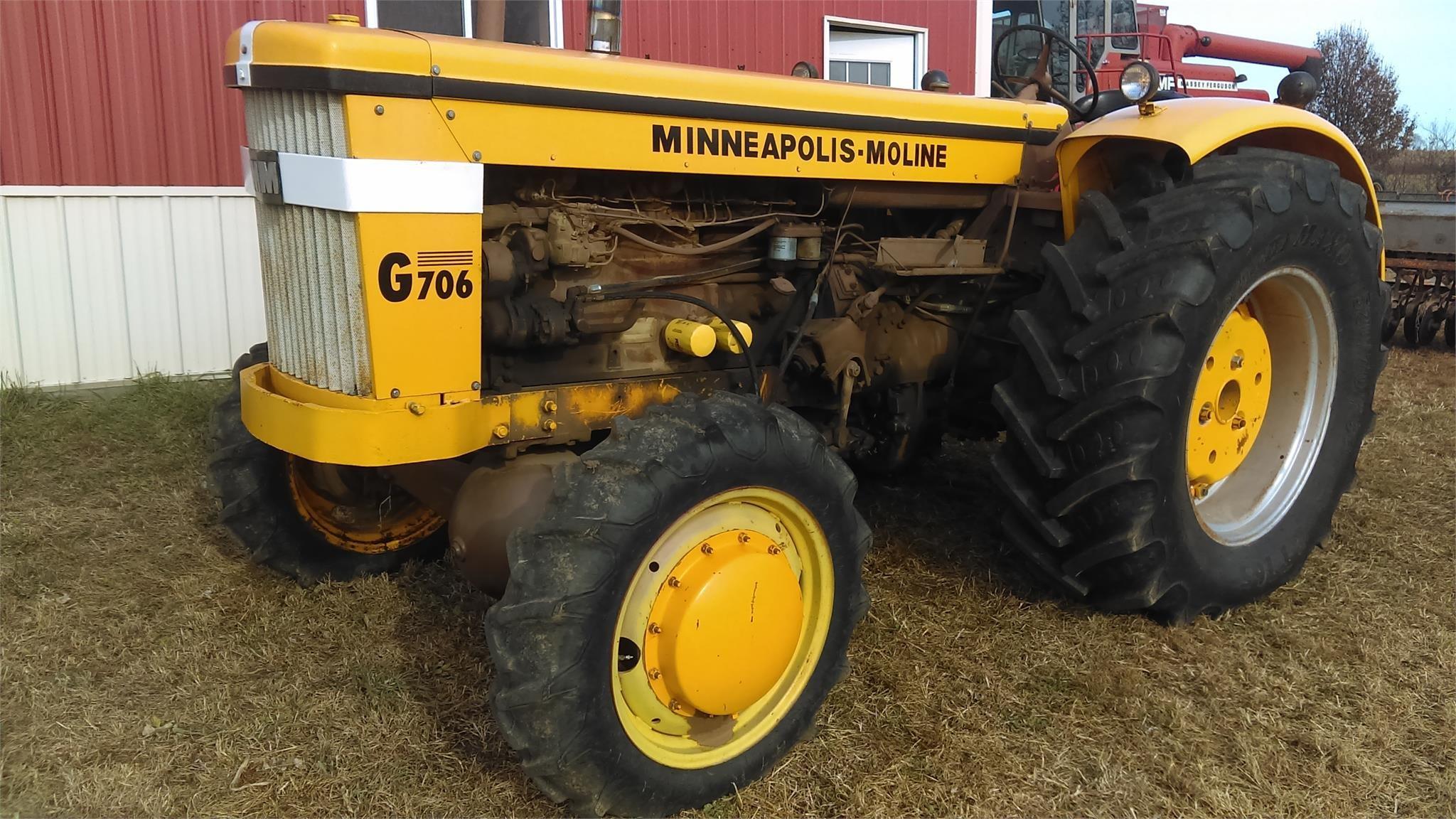 1965 Minneapolis-Moline G706 Tractor