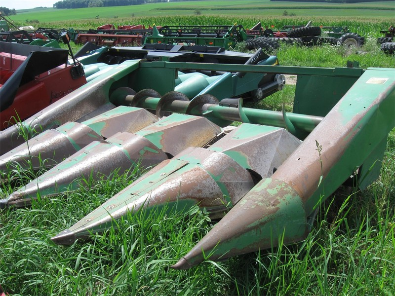 John Deere 444 Corn Head