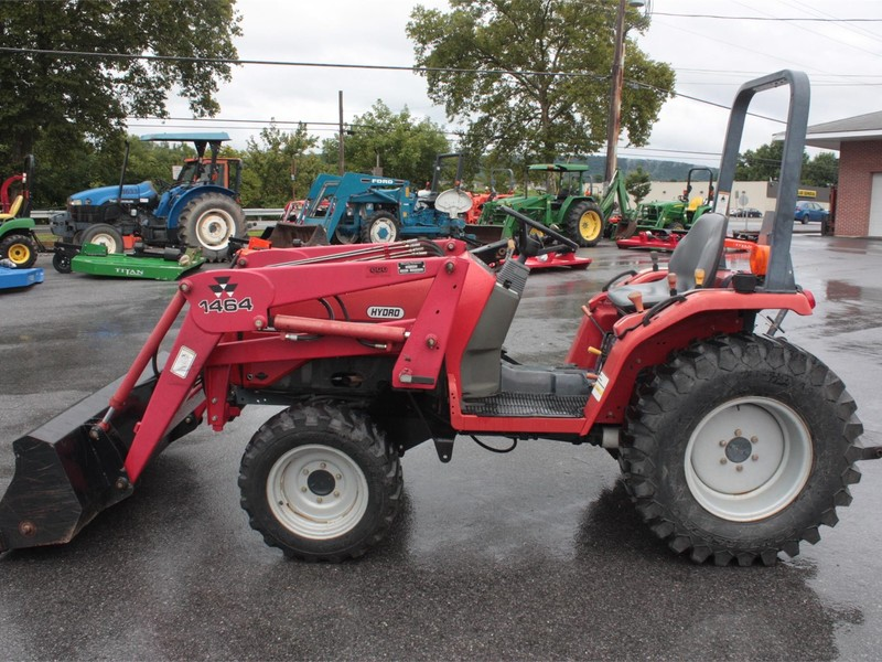 Massey Ferguson 1428V Tractor