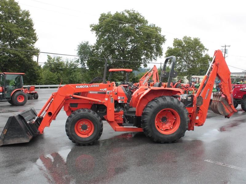 Kubota M6800 Tractor