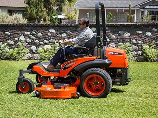 2018 Kubota ZD1211L Lawn and Garden