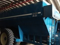 2001 Kinze 1040 Grain Cart
