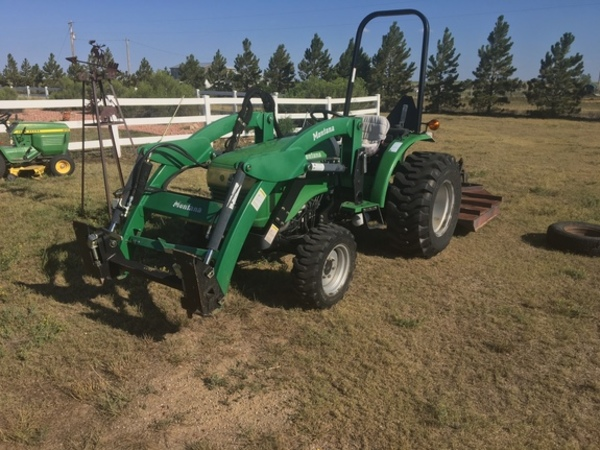 2007 Montana R2844 Tractor