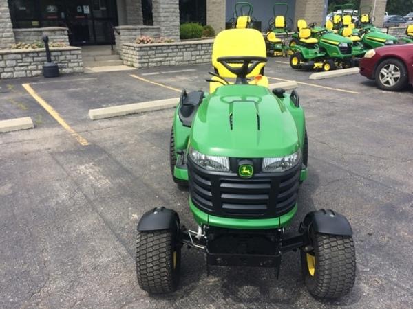 2017 John Deere X730 Lawn and Garden
