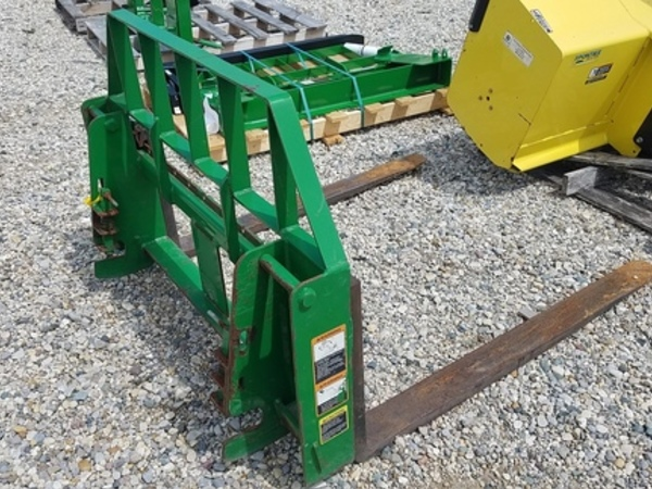 2013 Frontier AP12D Loader and Skid Steer Attachment