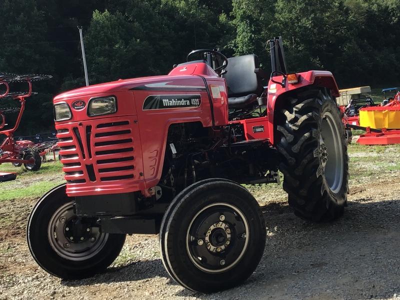 2013 Mahindra 4525 Tractor