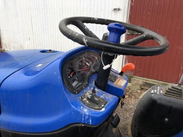 2004 New Holland TC25D Tractor