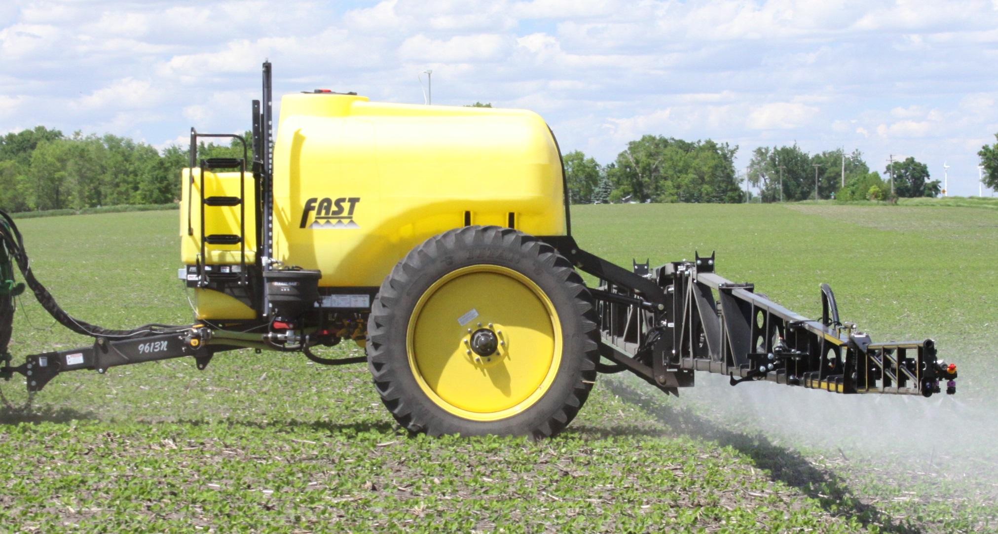 2019 Fast 9613 Pull-Type Sprayer