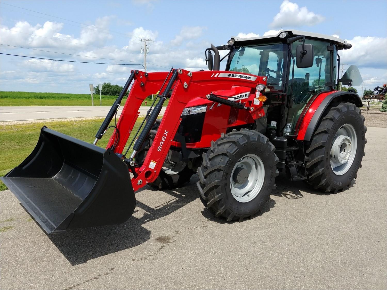 2017 Massey Ferguson 5711 Tractor