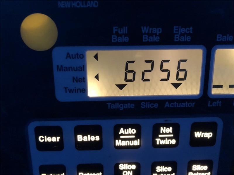 2004 New Holland BR780 Round Baler