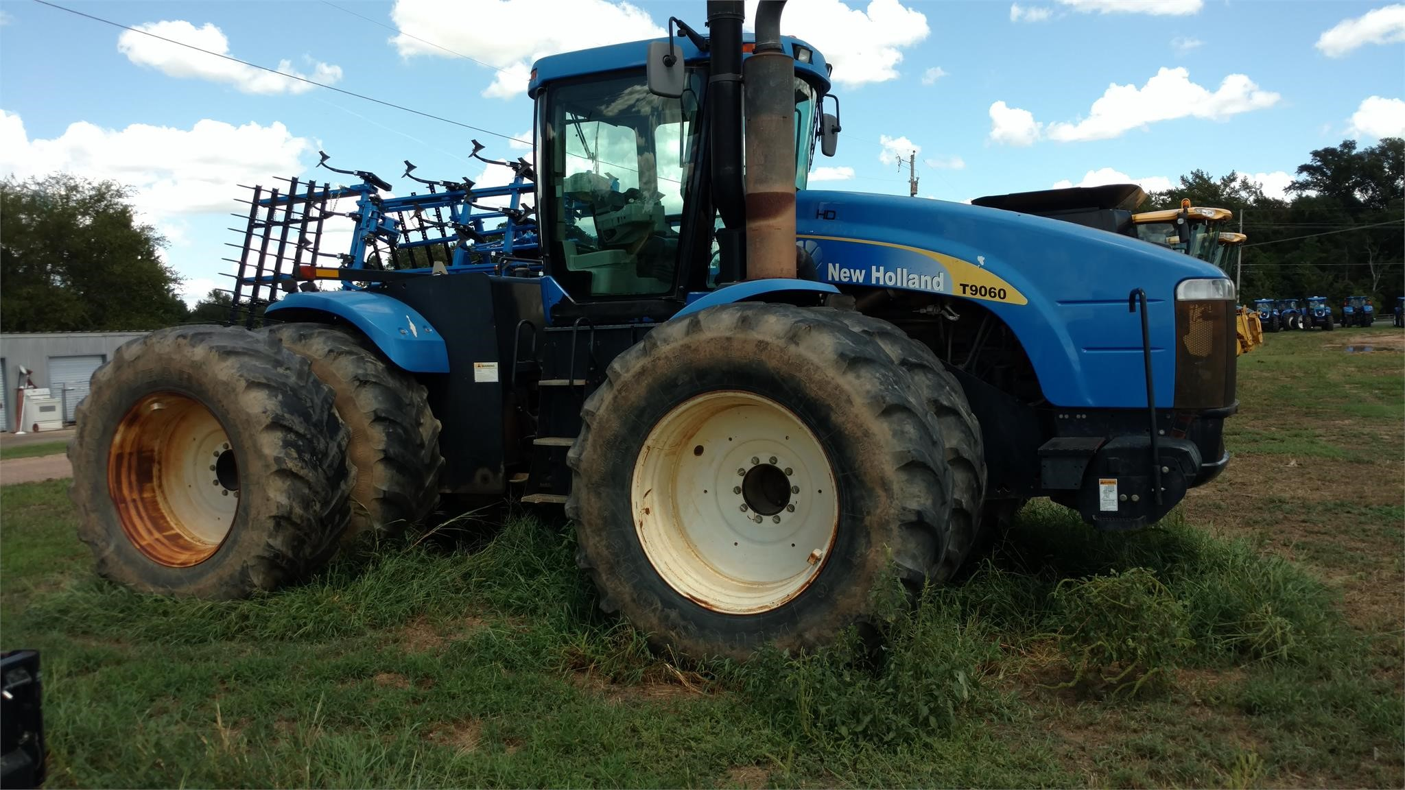 New Holland T9060 HD Tractor