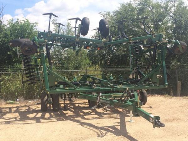 2014 Orthman FALLOWMASTER Field Cultivator