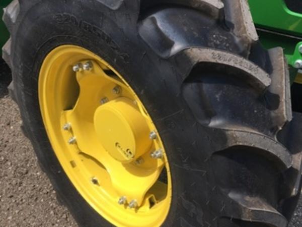 2018 Firestone 320/85R24 Wheels / Tires / Track