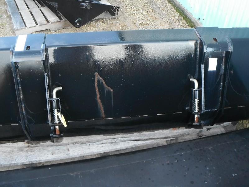 "Case IH 72"" Bucket Loader and Skid Steer Attachment"
