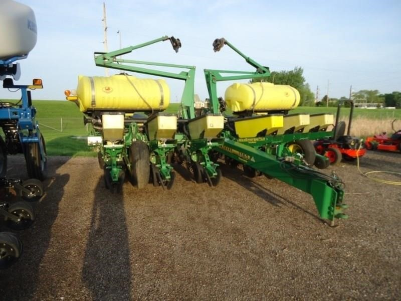 1999 John Deere 1760 Planter Mankato Minnesota Machinery Pete