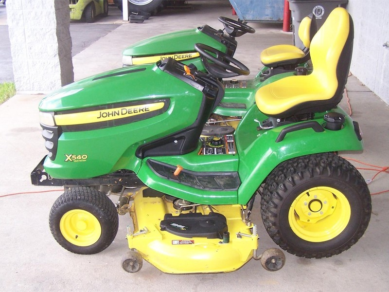 2013 John Deere X540 Lawn and Garden
