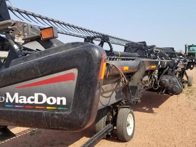 2009 MacDon D60 Platform