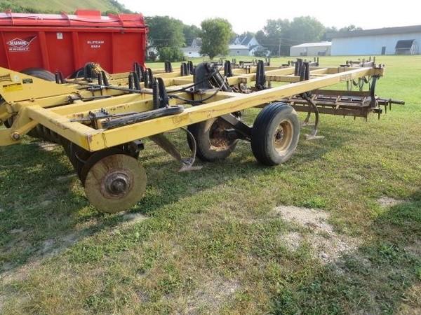Landoll 875-14 Soil Finisher