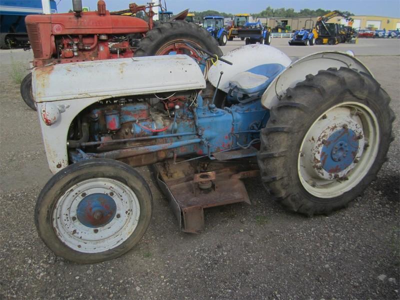 9n Ford Tractor >> 1941 Ford 9n Tractor Yankton South Dakota Machinery Pete