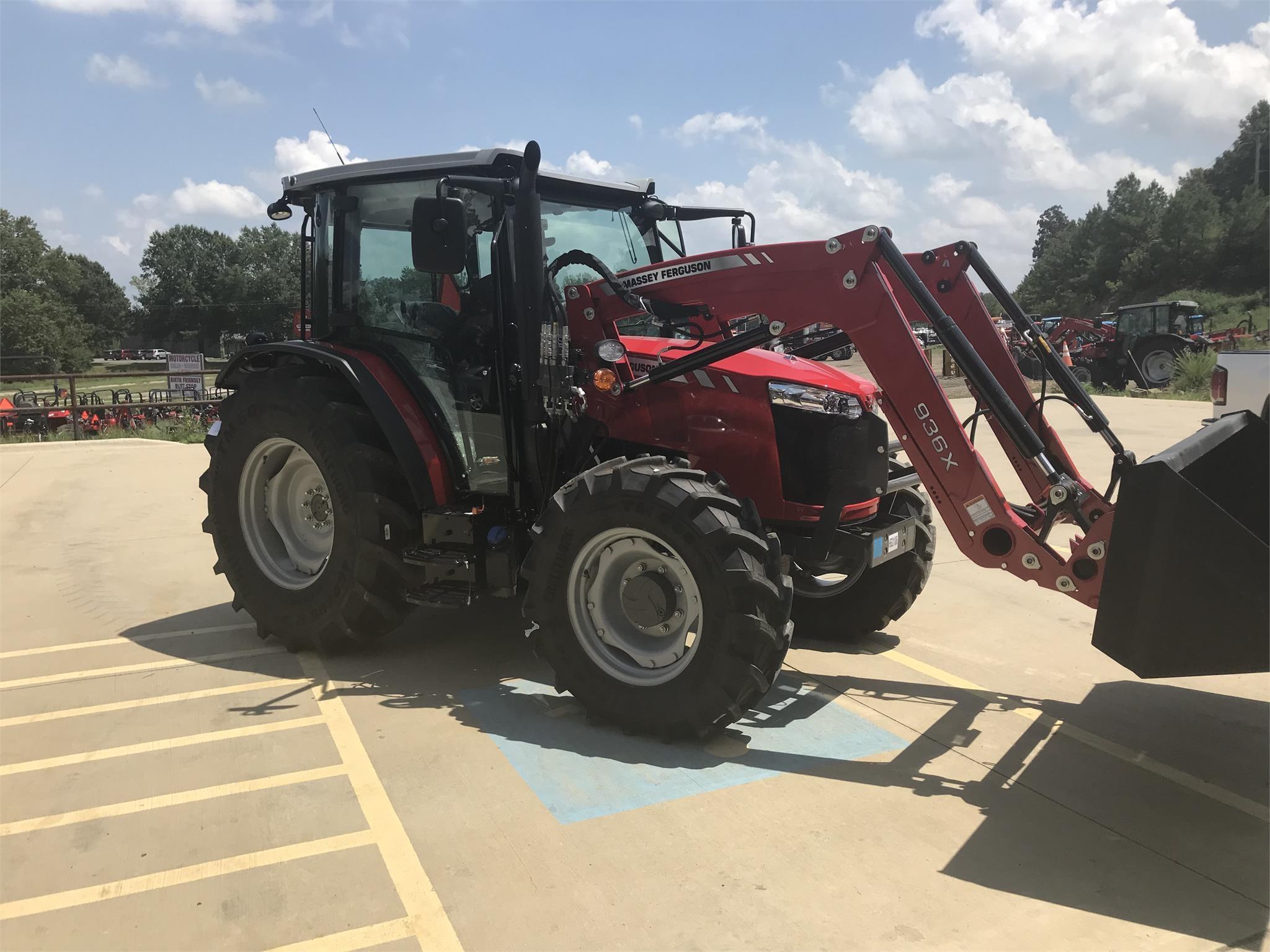 2021 Massey Ferguson 4707 Tractor