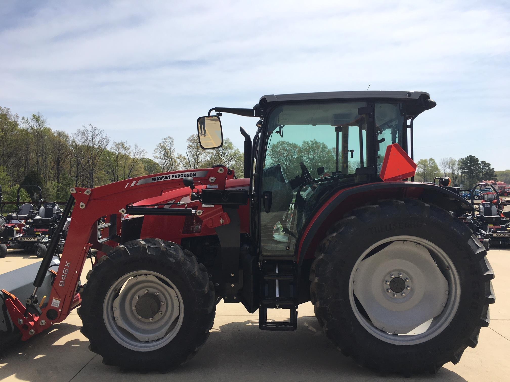 2018 Massey Ferguson 5710 Tractor