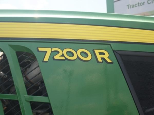 2012 John Deere 7200R Tractor