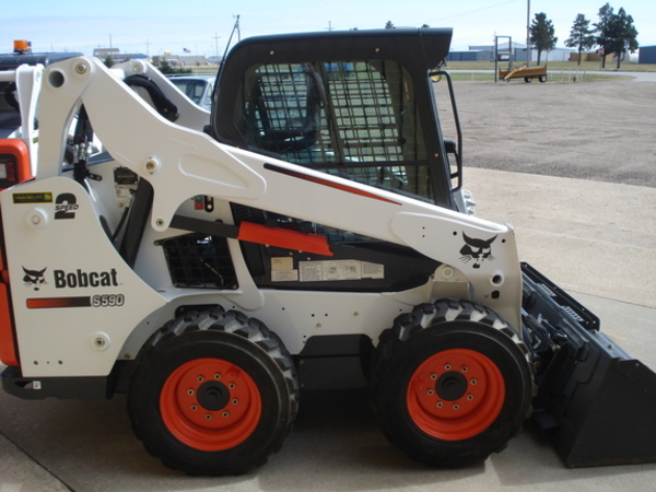 2016 Bobcat S590 Skid Steer