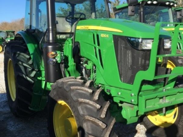 2017 John Deere 6120E Tractor
