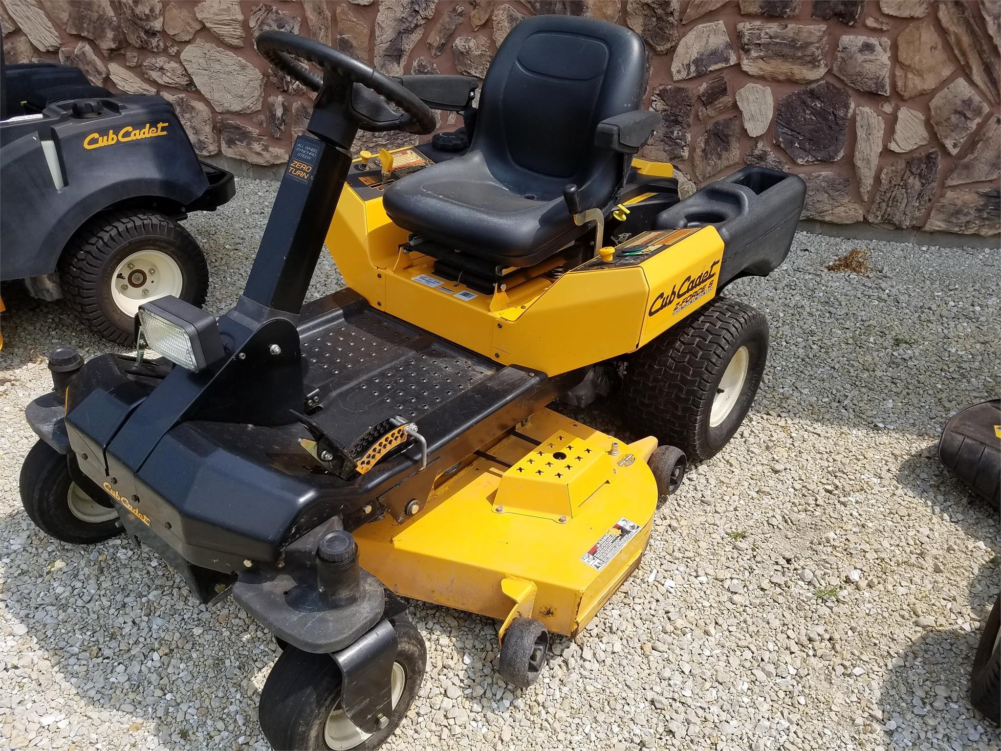 2010 Cub Cadet Z-Force 48 Lawn and Garden