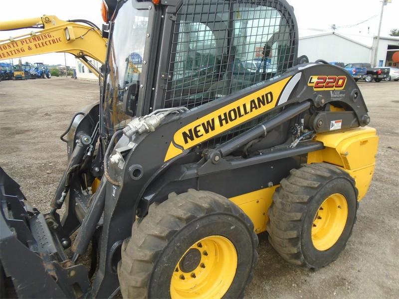2013 New Holland L220 Skid Steer