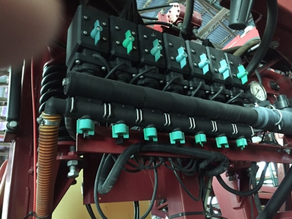 Hardi Commander 1200 Pull-Type Sprayer