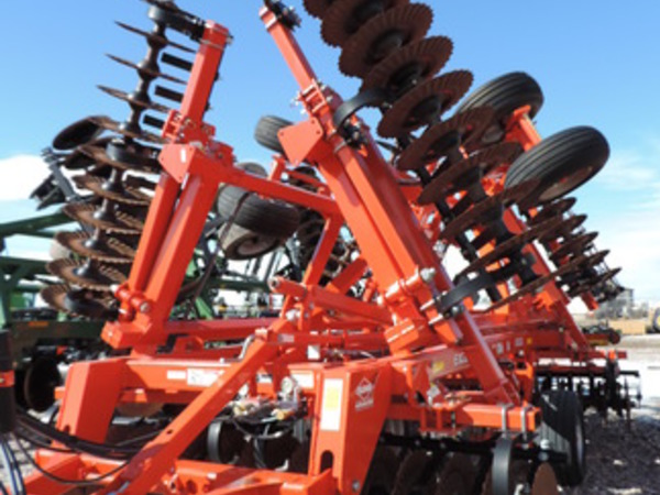 2015 Krause Excelerator 8000 Vertical Tillage