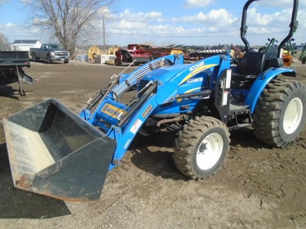 2010 New Holland Boomer 50 Tractor